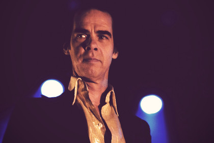 eine heilige messe - Konzertbericht: Nick Cave & The Bad Seeds in der Stadthalle Offenbach
